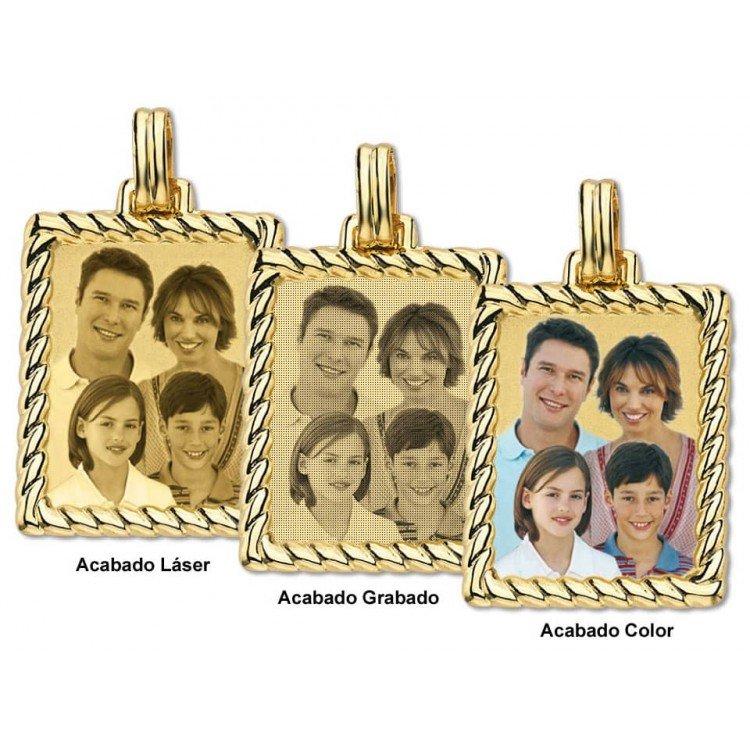 Grabación de foto en chapa rectangular con bordesde oro