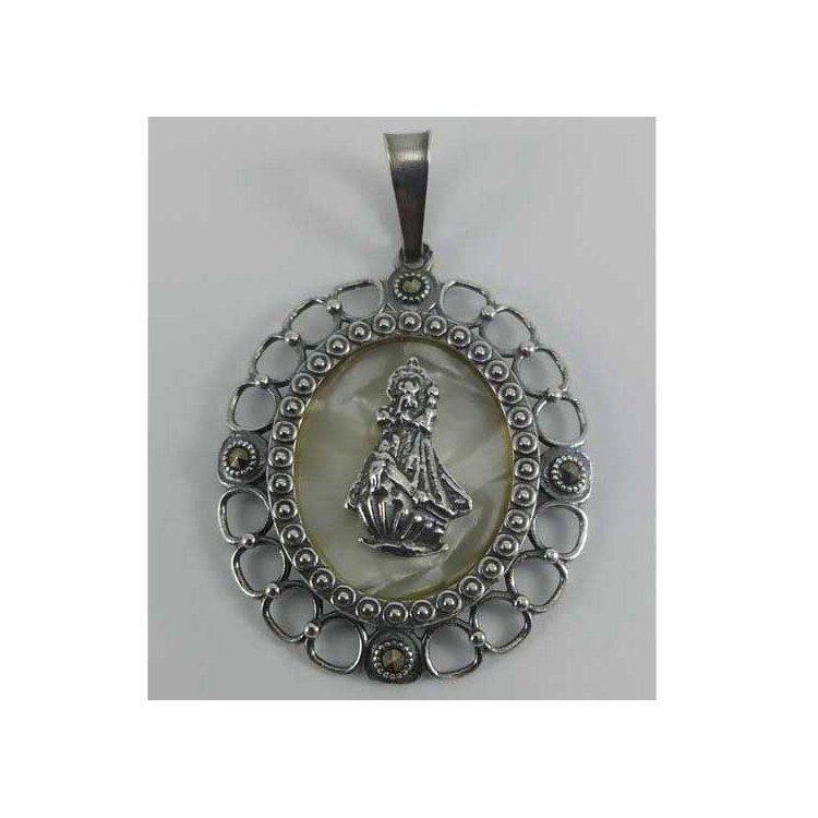 Medalla Virgen de la Barquera en plata envejecida y nacar