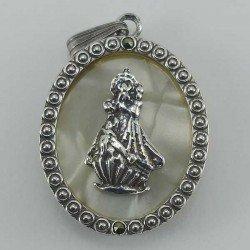 Colgante de Nuestra Señora de la Barquera en plata envejecida y nacar
