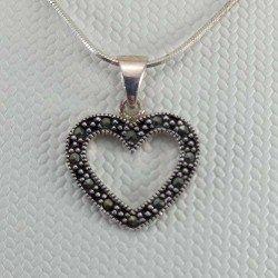 Colgante silueta corazón con marcasitas en plata envejecida