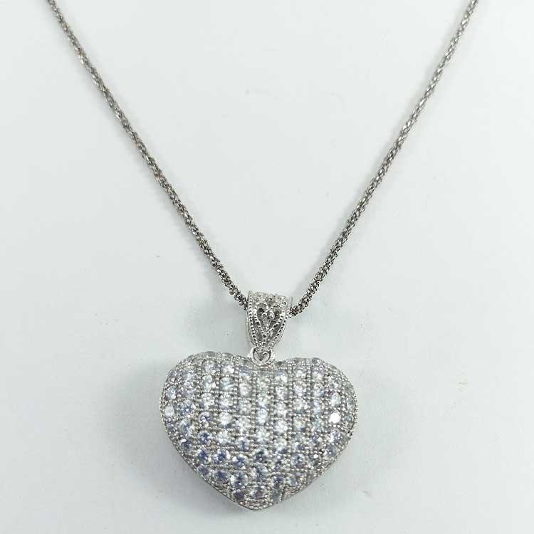 Colgante corazón bombeado con circonitas engastadas de plata 925