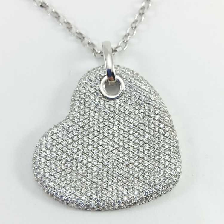Gargantilla corazón plano con circonitas en plata de ley 925 mls.
