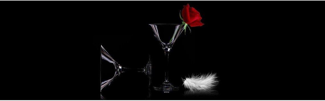 Copos de cristal fino champanhe, vinho ou uísque. Copos personalizados