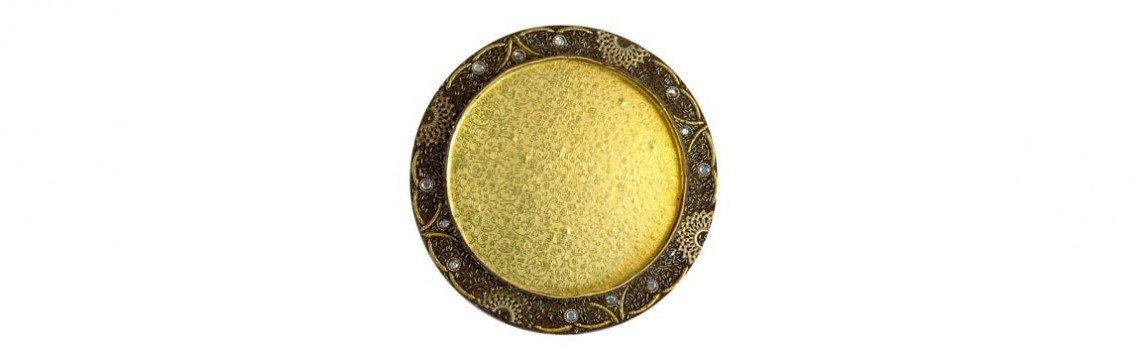 Dekorative Wand- oder Tischschalen und Teller aus Glas oder Keramik